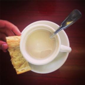 the_list-pan-con-cafe-con-leche